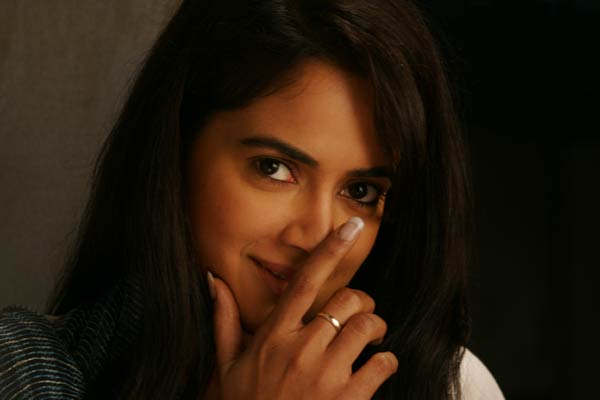 Sameera Reddy cute stills