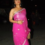 divya-dutta-hot-navel-saree