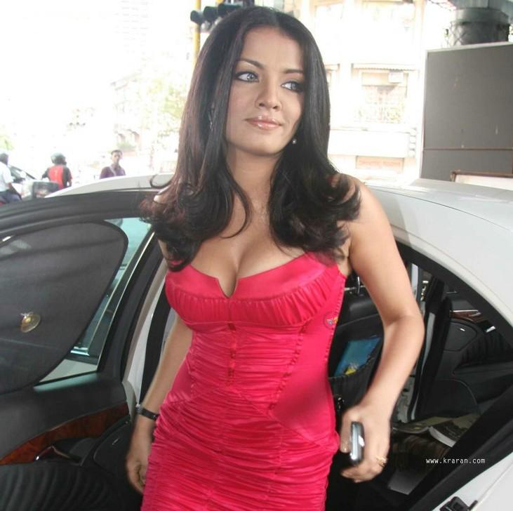 Celina Jaitley hot cleavage show