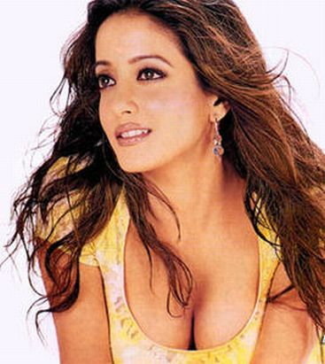 Raima Sen hot cleavage1 Raima Sen Hot