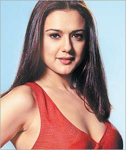 preity-zinta-hot-cleavage