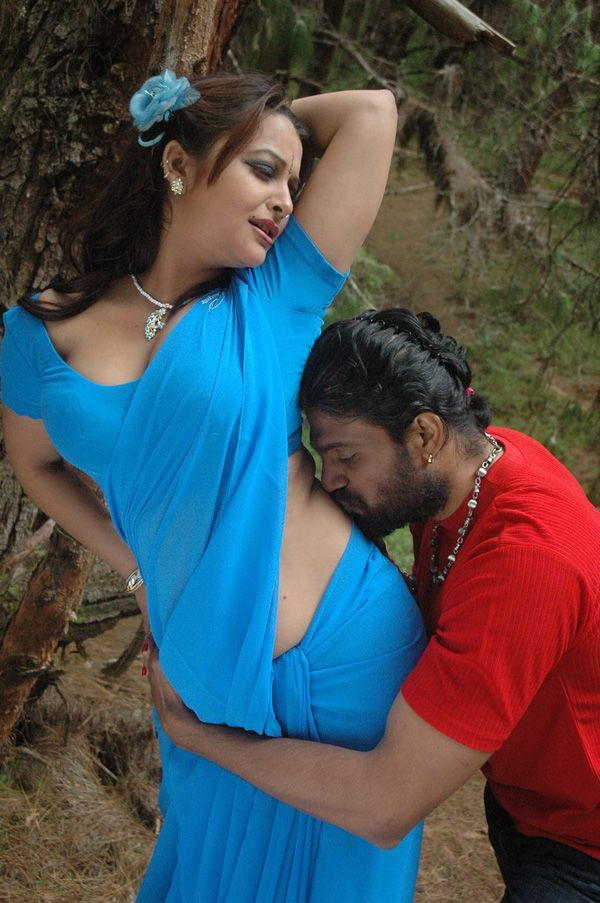 tamil-movie-thappu-hot-navel