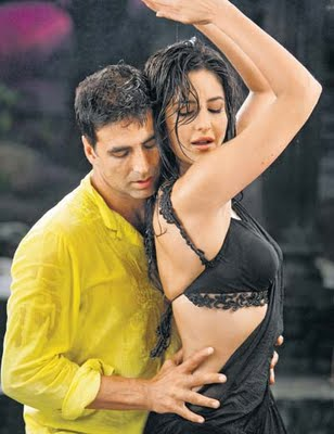 Katrina Kaif Akshay Kumar hot stills Katrina Kaif with salman akshay and ranbir