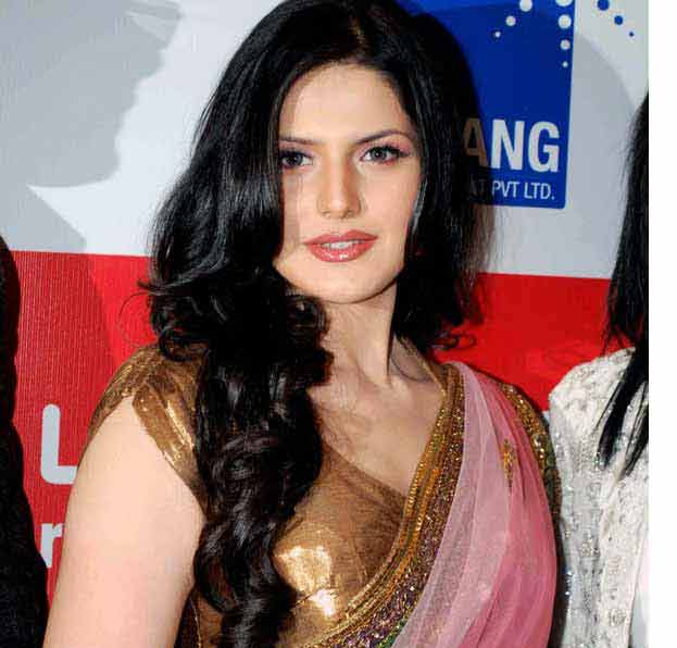 Zarin Khan Veer Zarine Khan hot bikini navel photos