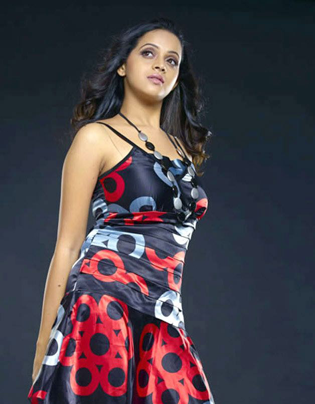 bhavana-hot-cleavage