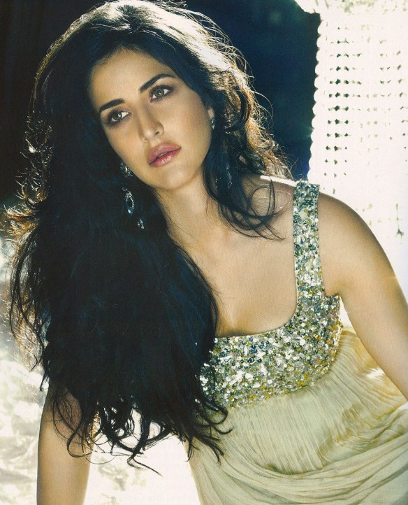 katrina-kaif-hot-cleavage