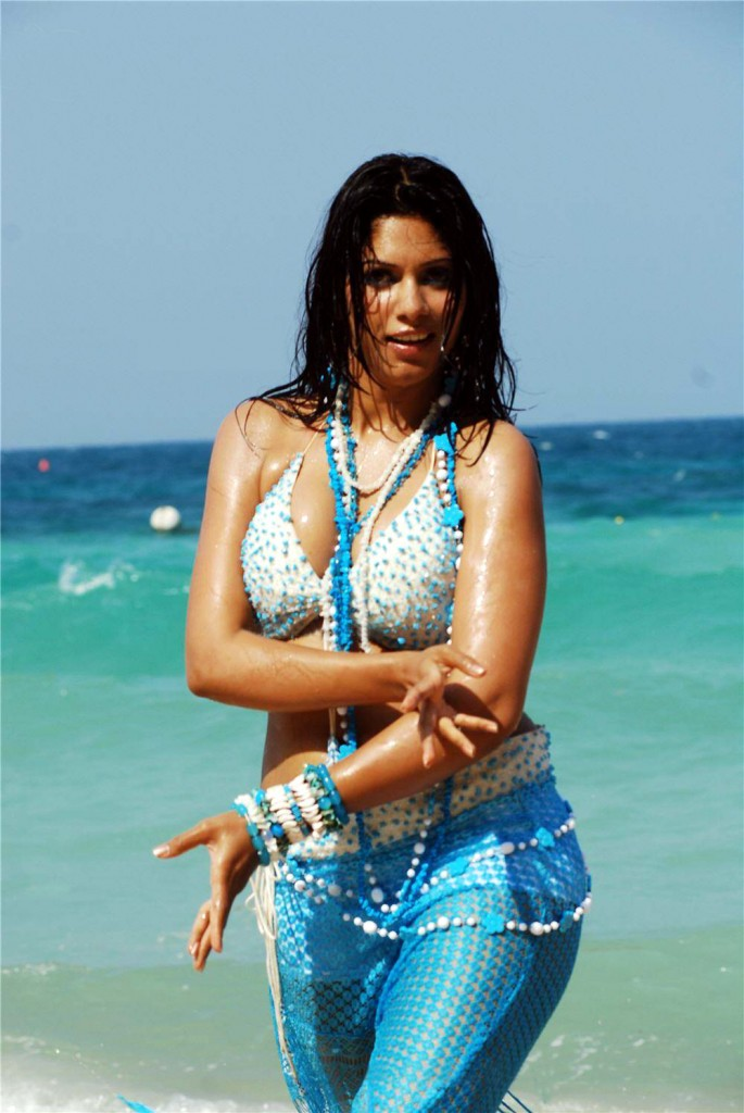malishka-wet-hot