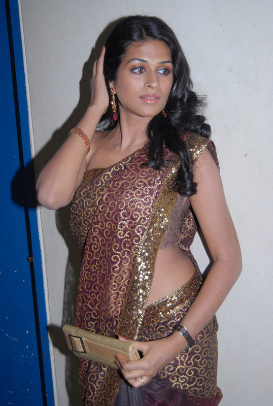 shraddha das hot saree1 Hot Shraddha Das navel images