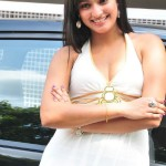 hari-priya-hot-cleavage