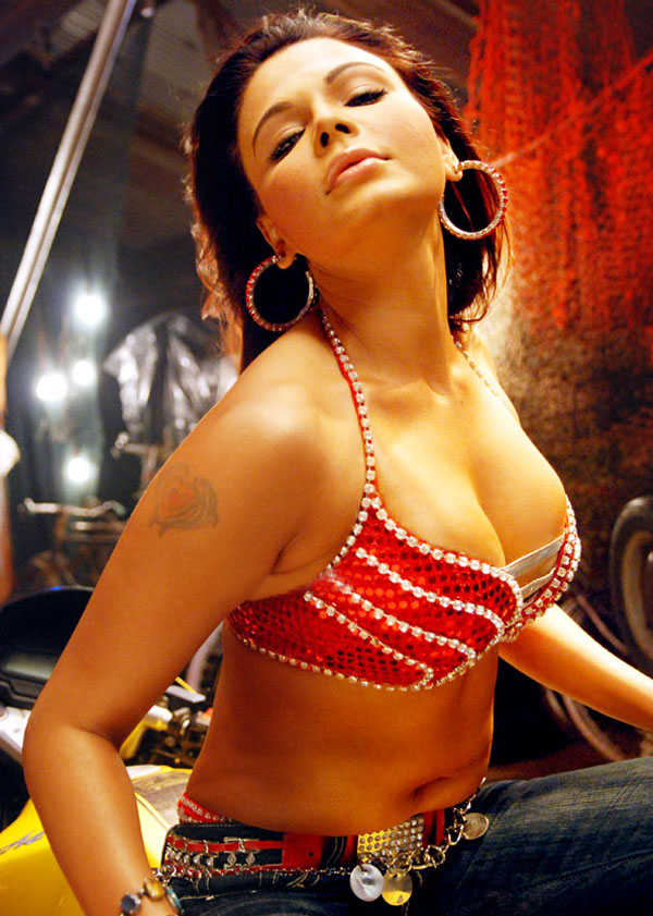 Rakhi Sawant hot cleavage image Rakhi Sawant Hot Cleavage Navel Photos