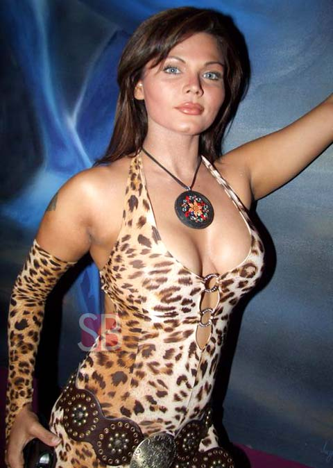 Rakhi-Sawant-hot-spicy-cleavage