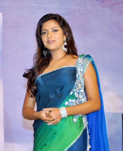 amala-paul-hot-still