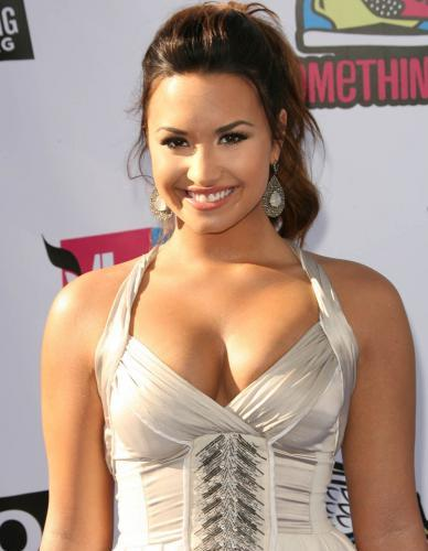 Demi lovato hot photo Demi Lovato Hot Spicy Photos