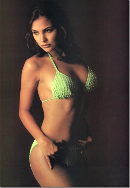 Bollywood Actress Hot Bikini Gallery