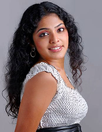 Rima-kallingal-hot-cleavage