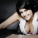 hot Mandira Bedi cleavage 150x150 indian actress hot cleavage
