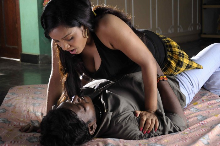 kasi-kuppam-hot-movie-stills