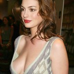 Anne-Hathaway-hot-cleavage