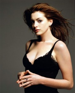 Anne-Hathaway-hot-spicy-cleavage