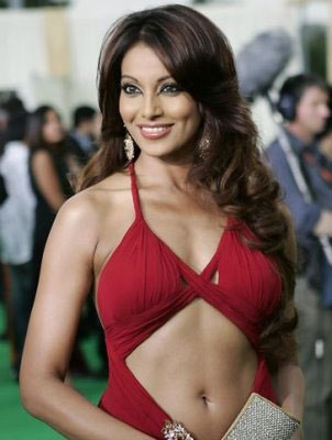 Bipasha-Basu-hot-navel