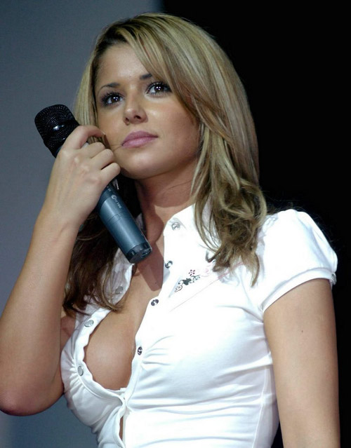 Cheryl-Cole-hot-cleavage