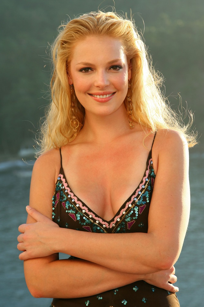 Katherine-Heigl-hot-cleavage
