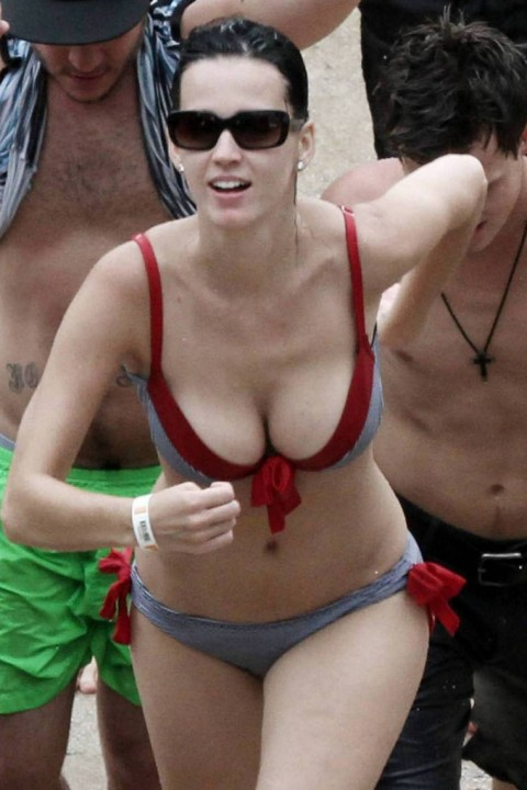 Katy-Perry-hot-spicy-bikini