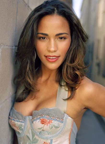 Paula-Patton-hot-cleavage