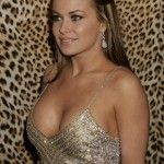 Carmen-Electra-hot-cleavage-photo