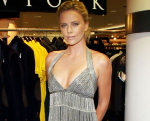 Charlize-Theron-hot-spicy-cleavage