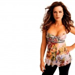 Kate-Beckinsale-hot-cleavage-pic