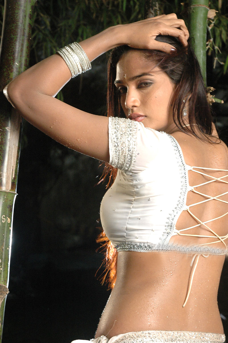 Madalsa-Sharma-hottest-stills