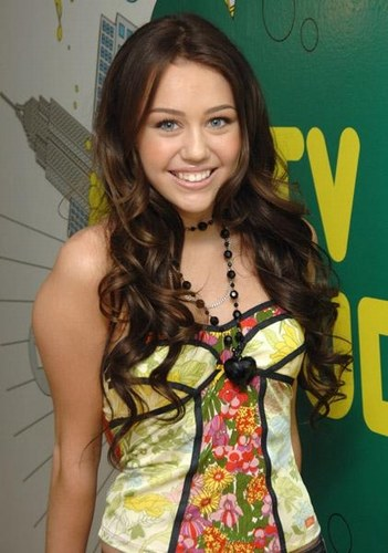 Miley Cyrus Latest Hot Pics