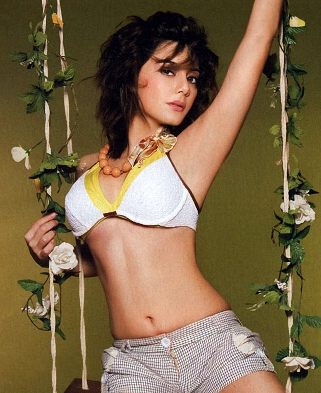 Minissha-Lamba-hot-navel