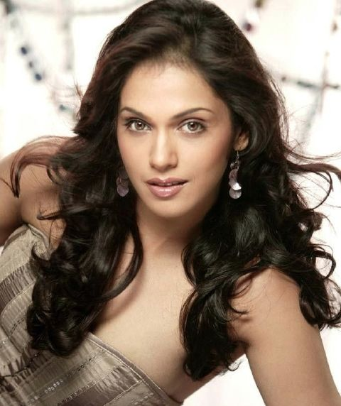 isha-koppikar-photos