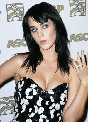 Katy-Perry-hot-cleavage-new