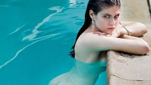 Alexandra Daddario-San-Andreas-Movie