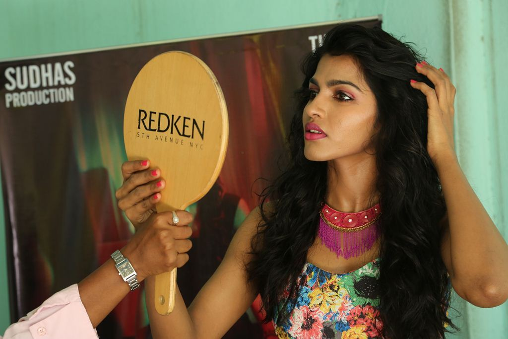 dhansika-new-hot-stills