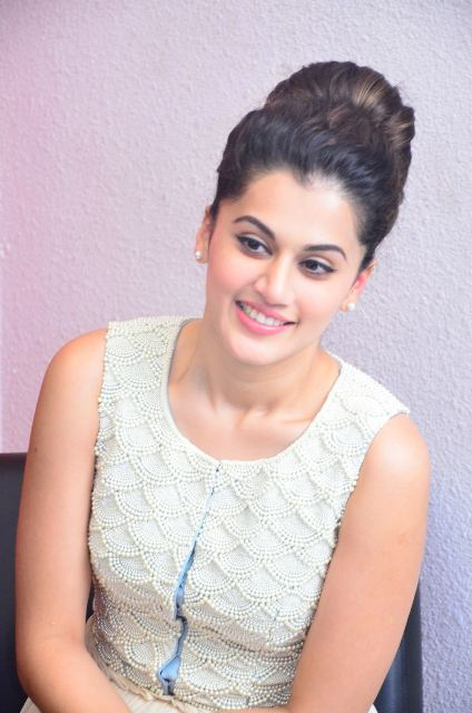 taapsee-latest-stills-01
