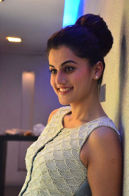 taapsee-latest-stills-07