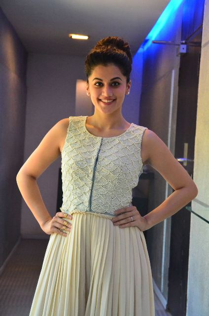taapsee-latest-stills-13