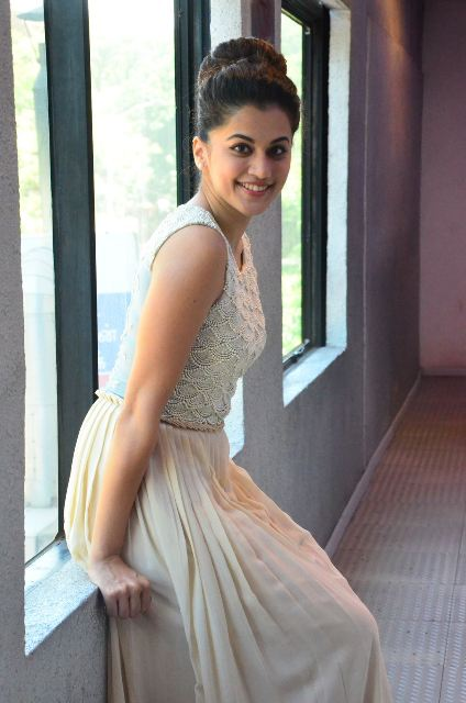 taapsee-latest-stills-14