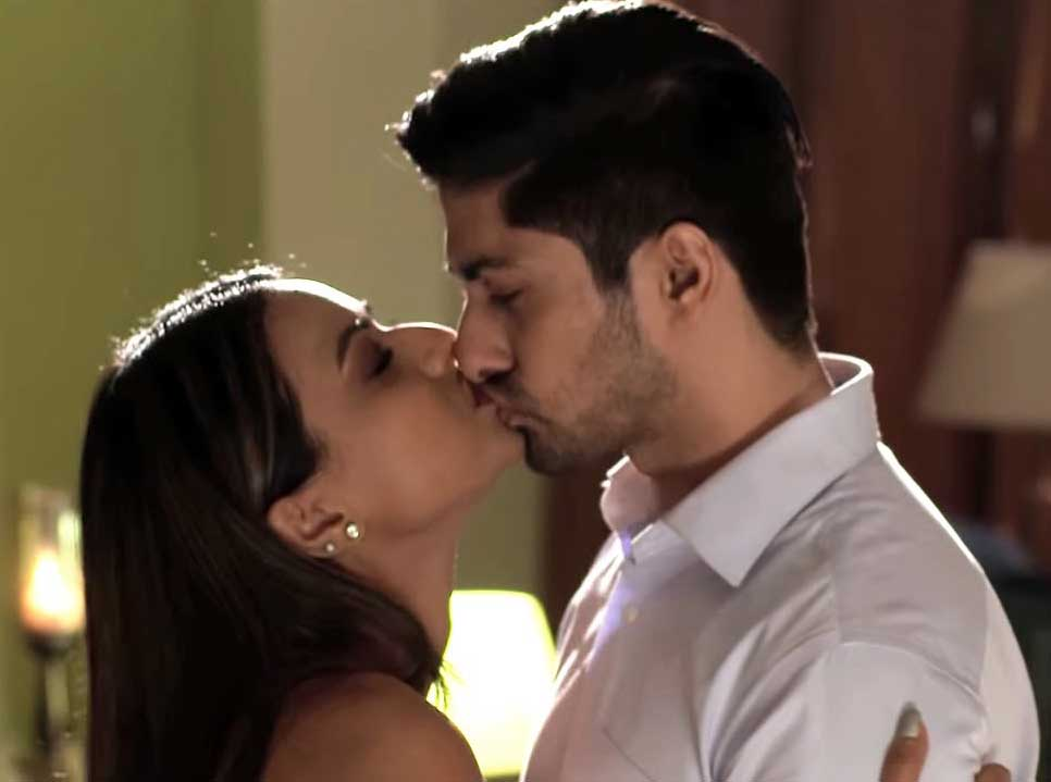 nia-sharma-kissing-namit-khanna