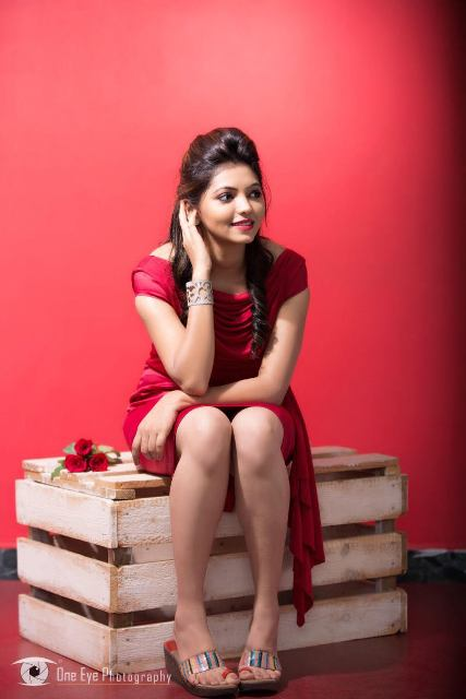 Athulya_Ravi_Photoshoot_hot_and_sexy_2