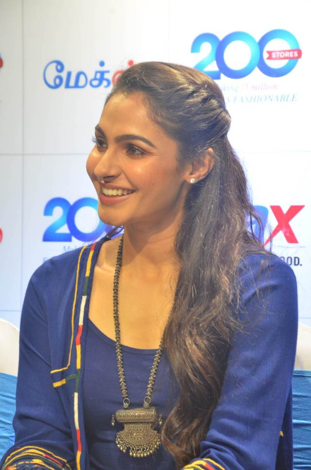 andrea_jeremiah_launches_200th_max_fashion_03