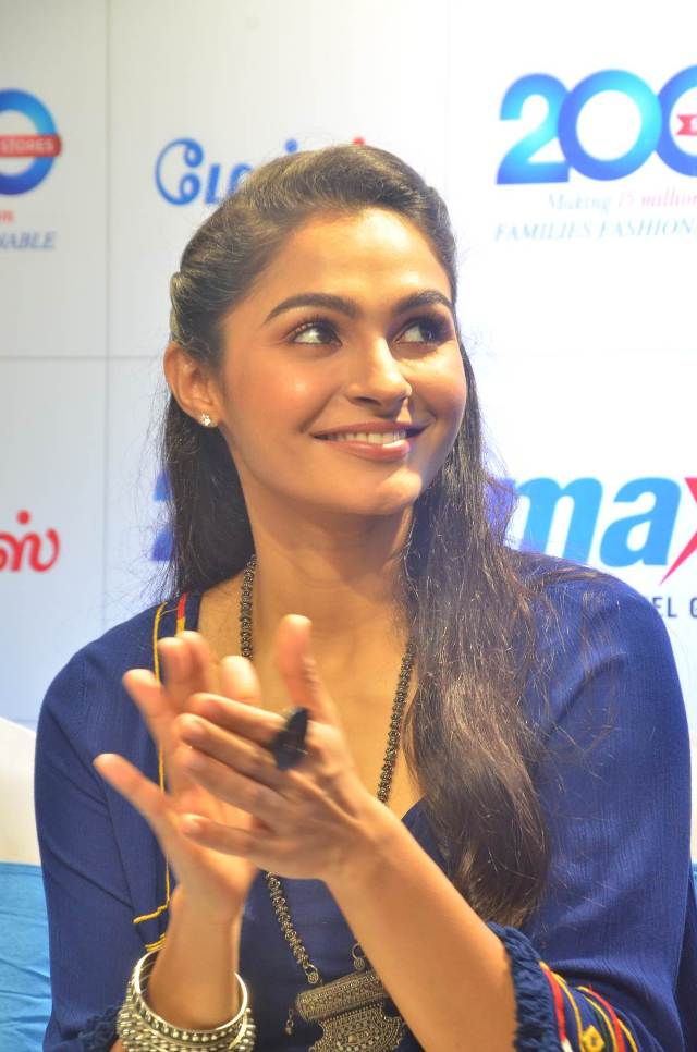 andrea_jeremiah_launches_200th_max_fashion_05