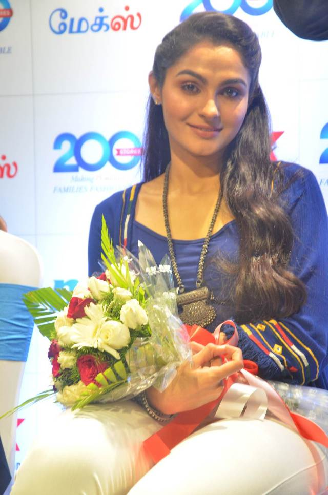 andrea_jeremiah_launches_200th_max_fashion_09