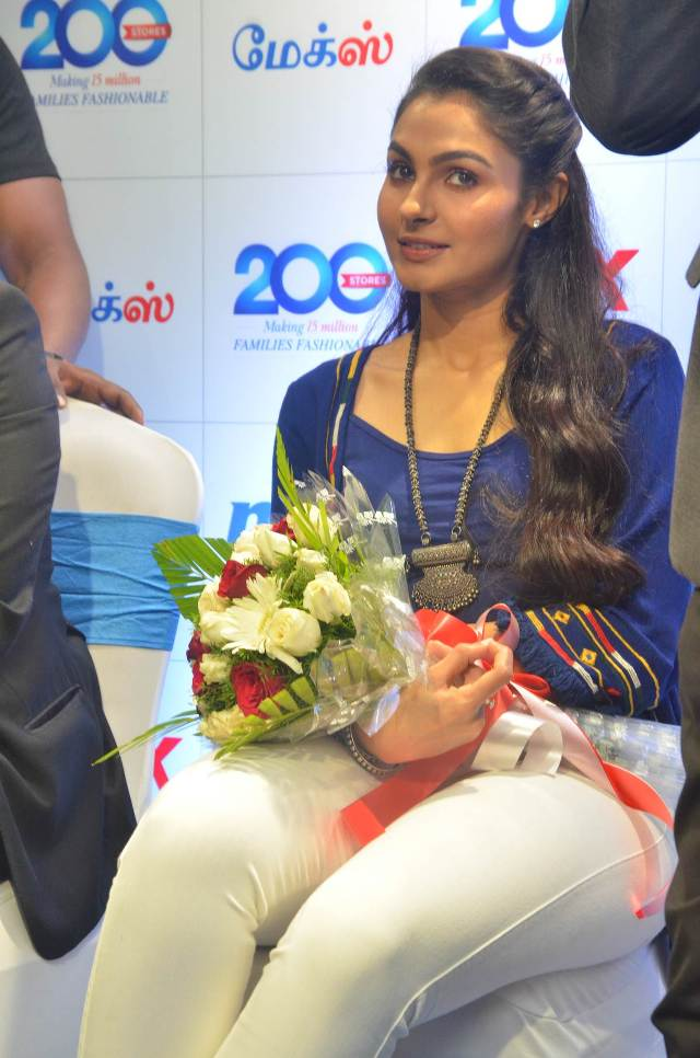 andrea_jeremiah_launches_200th_max_fashion_10