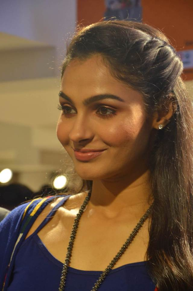 andrea_jeremiah_launches_200th_max_fashion_17