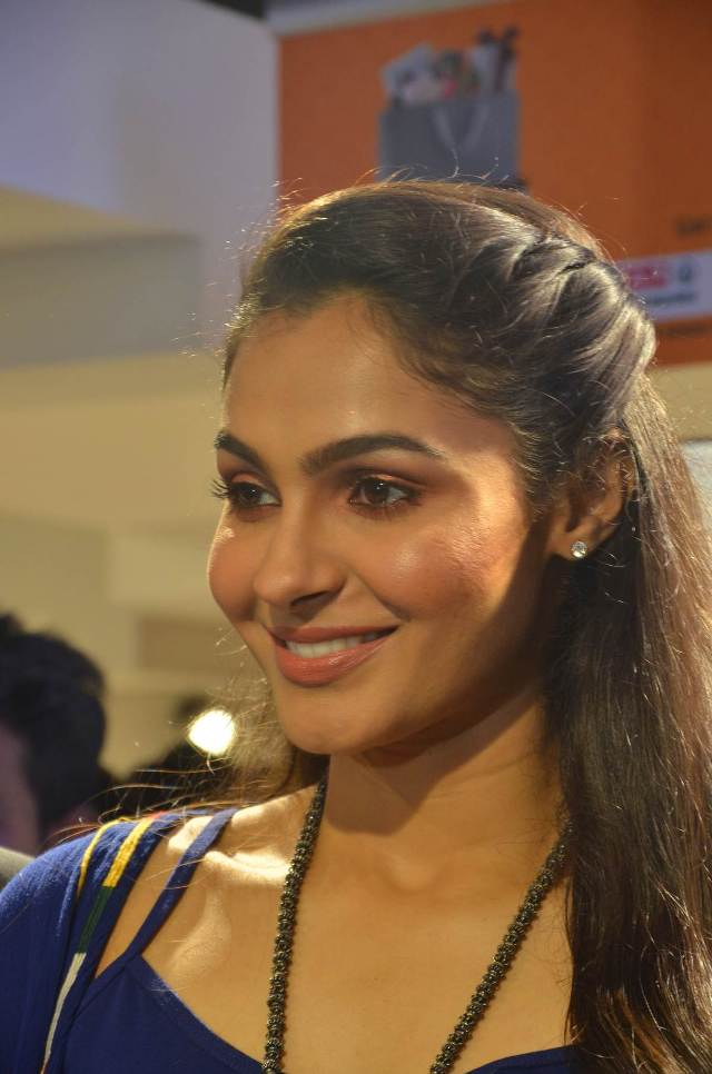 andrea_jeremiah_launches_200th_max_fashion_18